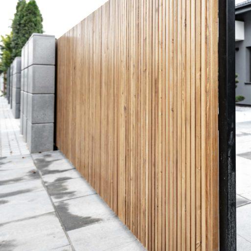 drewniane_ogrodzenie